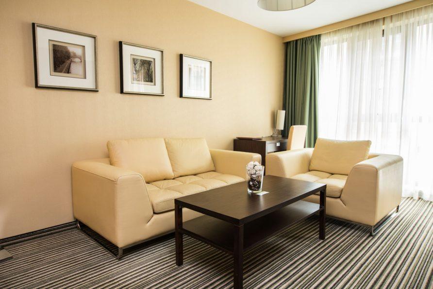 Резервиране на стая в бизнес хотел