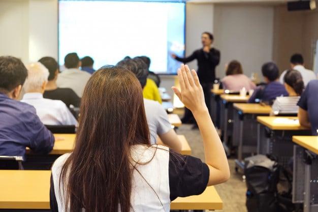 Какви удобства предлагат конферентните зали?